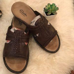 Clark's Bendables Brown Leather Slide Sandals  7 M